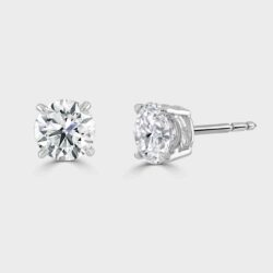3CT Diamond stud earrings