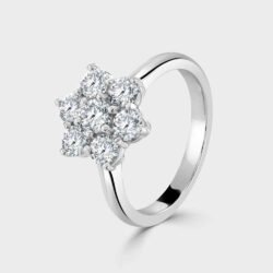 Classic diamond cluster ring