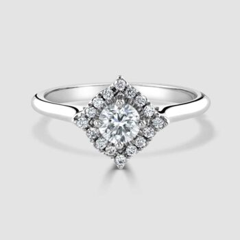 18ct Fancy cluster diamond ring