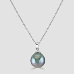 Tahitian pearl pendant and chain
